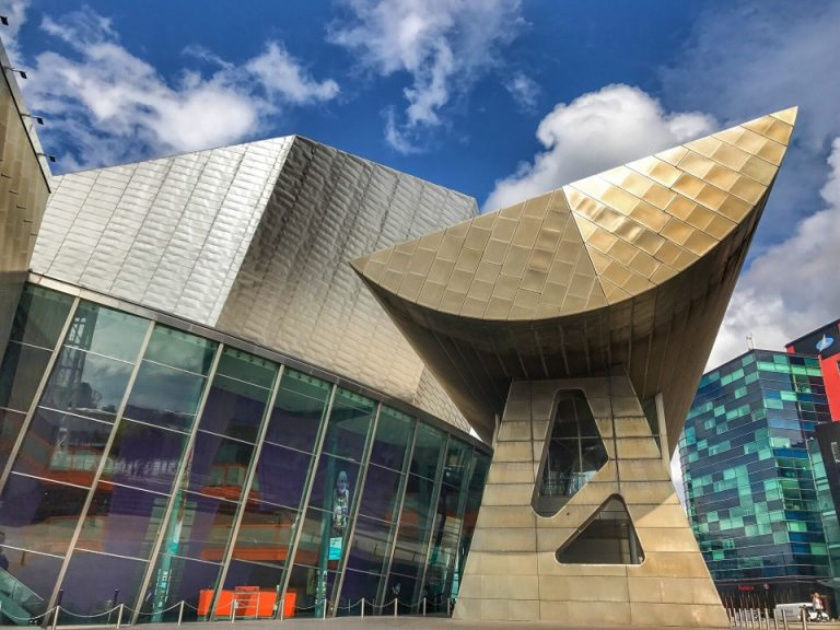 unusual-shapes-of-modern-architecture-at-the-lowry-in-salford-manchester