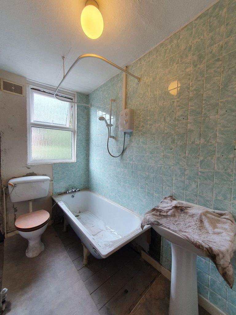 Bathroom Refurbishment Project Before Photo