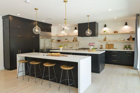 Dark Unit Kitchen with Island and Breakfast Bar